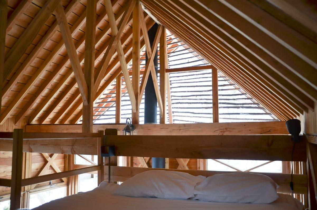 Logement insolite: les Cabanes de Rensiwez (Belgique)
