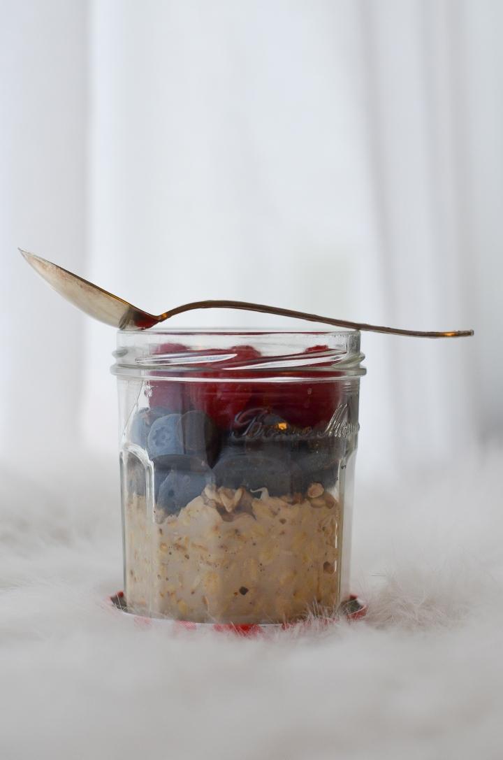 Overnight oatmeal: la recette super simple pour un petit-déj' àemporter