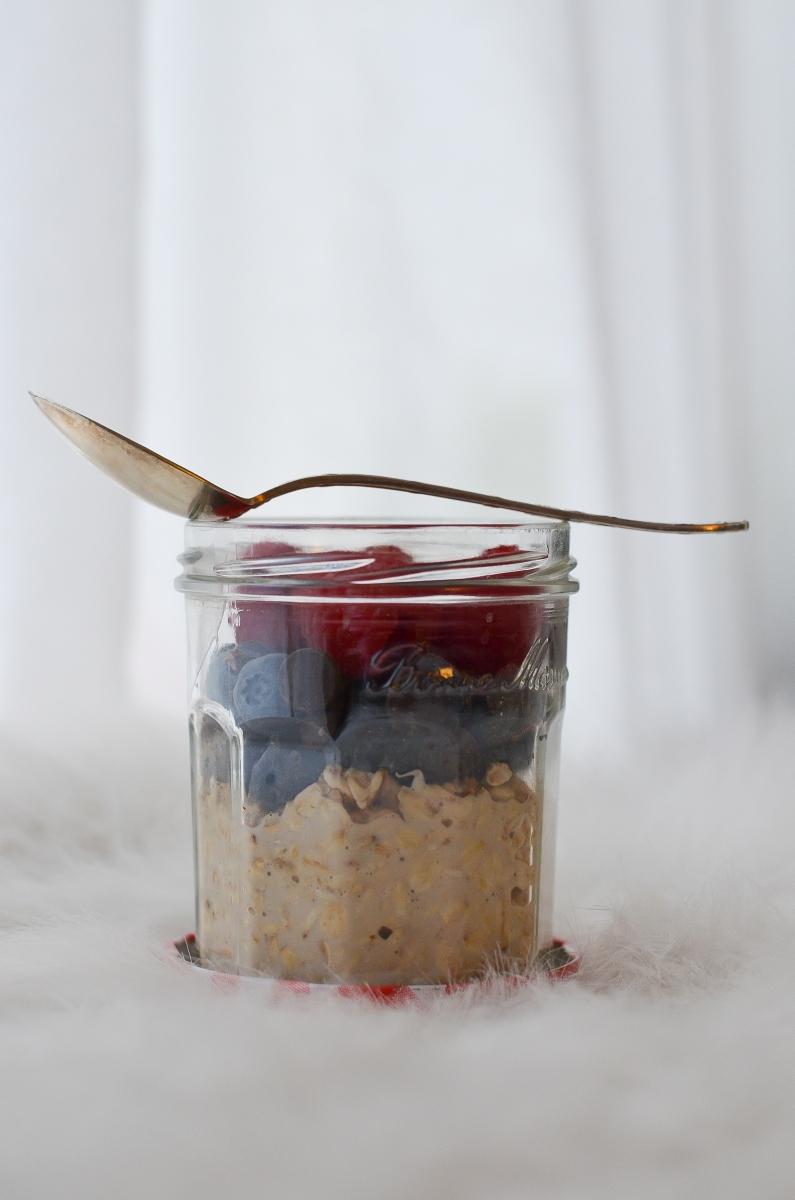 Overnight oatmeal: la recette super simple pour un petit-déj' à emporter